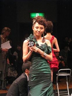 エントリーナンバー10番、とってもかわいいモデルさんでした。京都から上京してモデルとして羽ばたきたいとのことで、ぜひ応援したいですね♪