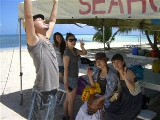 さ~いざマニャガハ島へ!!!残りのメンバーはゴルフです。